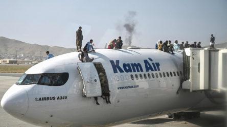 Afganistan'dan Özbekistan'a 22 askeri uçak ve 24 helikopter kaçırıldı: İki uçak havada çarpıştı