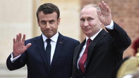 Putin ile Macron Afganistan'daki son durumu görüştü