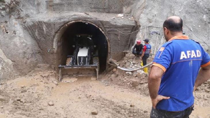 HES tünelini basan sulara kapılan işçiyi arama çalışmaları sürüyor