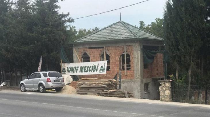 Rabıta Vakfı'na ait kaçak mescidin yıkımına durdurma kararı