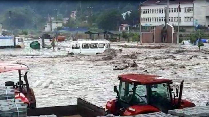 Sel felaketinde ölenlerin sayısı 82'ye yükseldi