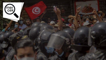 Devrim mi darbe mi: Tunus'u analiz etmek