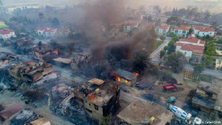 Manavgat'ta yardımlar AKP'lilere dağıtılıyor iddiası