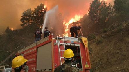 Muğla ve Isparta yanmaya devam ediyor