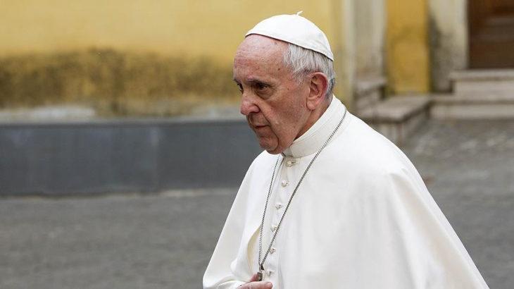 Papa'ya 3 kurşunlu tehdit mektubu