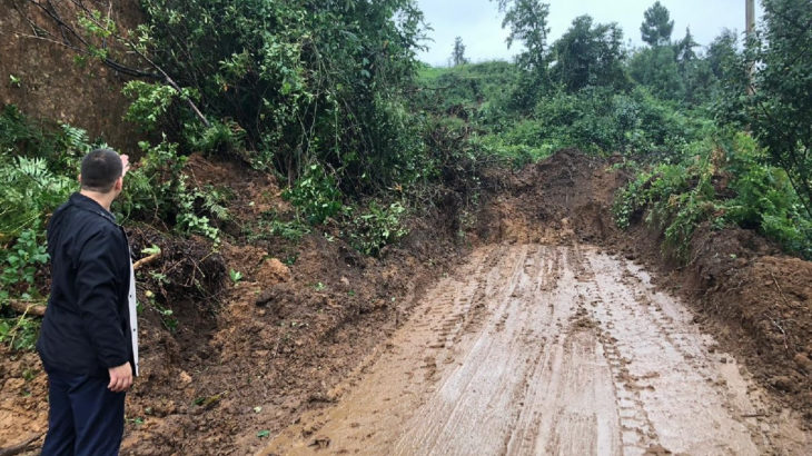 Rize'de 48 köy yolu yağış nedeniyle ulaşıma kapandı