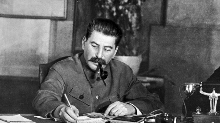 Rusya Dışişleri Bakanı: Stalin'e saldırı, 2. Dünya Savaşı tarihine saldırıdır