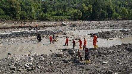 Sel felaketinin ardından kayıplar bulunamıyor