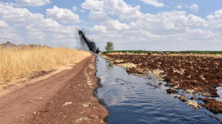 Şanlıurfa'da tarım arazilerine 3 saat boyunca petrol aktı