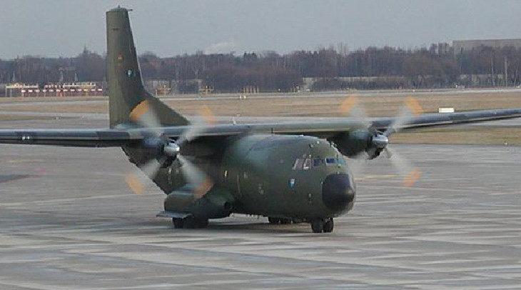 Tahliye için Afganistan'a giden askeri uçak kaçırıldı