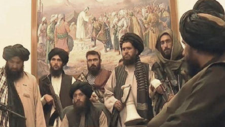 Taliban Kabil'de Cumhurbaşkanlığı Sarayı'na girdi