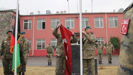 Afganistan'dan tahliye edilen Türk askerleri Ankara'ya indi