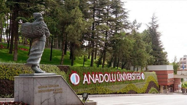 Anadolu Üniversitesi Açıköğretim Fakültesi Covid-19 pozitif öğrencileri yüz yüze sınava çağırdı