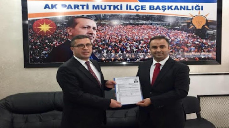 Görevden alınan AKP'li Mutki Belediye Başkanı Vahdettin Barlak, yerine seçilen Nurrettin Yol'a saldırdı