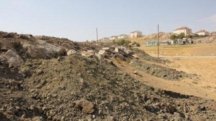 Van'da Ermenilere ait mezarların tahrip edilmesi meclis gündeminde