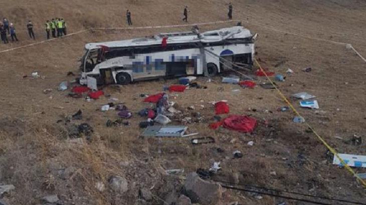 Yolcu otobüsü devrildi: 14 kişi hayatını kaybetti, 18 kişi yaralandı