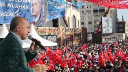 Erdoğan'ın Kahramanmaraş'ta gerçekleştirdiği mitingin gerçeği televizyondaki görüntülerden çok farklı