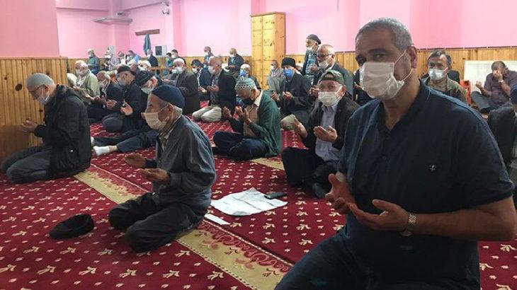 Giresun'da fındık üreticileri müftü eşliğinde güneş duasına çıktı