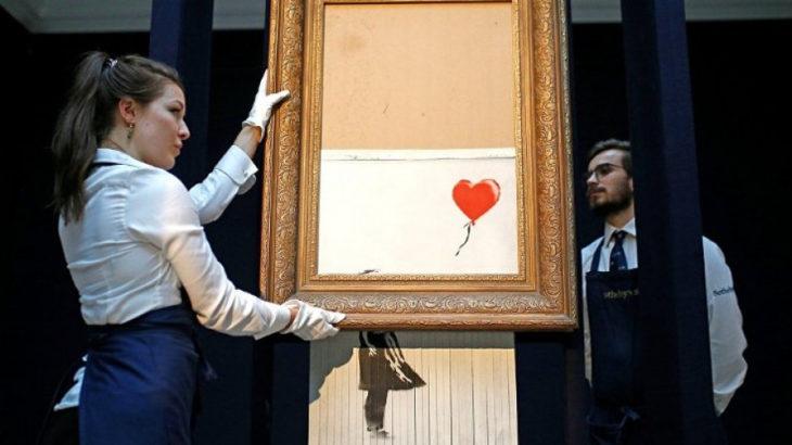 Banksy'nin kendini parçalayan eseri 'Kırmızı Balonlu Kız', tekrar açık artırmaya çıkarılacak