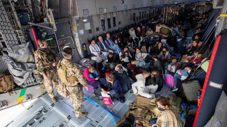 Böyle olur foncuların sonu: ABD, Afganistan'dan çekilirken fonladığı gazetecileri Taliban'ın eline bıraktı