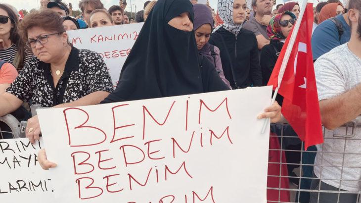 Valilik izin vermişti, aşı karşıtları İstanbul'da toplandı