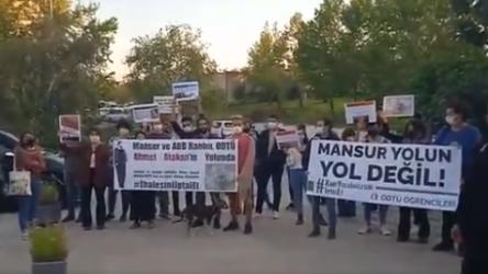 ODTÜ'lülerden Mansur Yavaş'a yol protestosu
