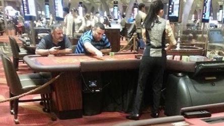 Erkam Yıldırım'ın kumar masasında yanında oturan kişinin kim olduğu ortaya çıktı