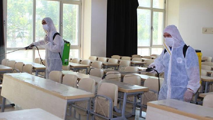 İzmir'de 50. Yıl Ortaokulu'nda 11 sınıf karantinaya alındı