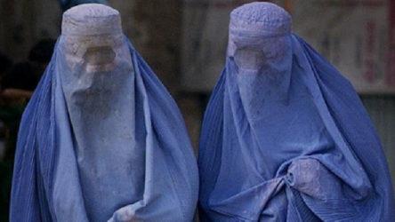 İngiliz özel kuvvetler burka giyerek Taliban'dan kaçtı
