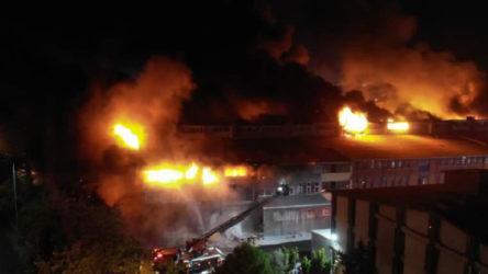 İkitelli Çevre Sanayi Sitesi'nde çıkan yangın sabaha karşı söndürülebildi