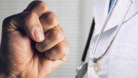 Sağlık ocağında doktora yumruklu saldırı