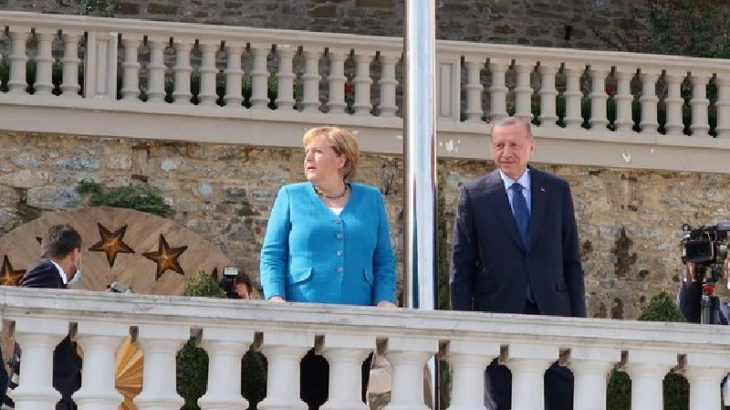 Angela Merkel'den veda ziyareti: Görüşme Huber Köşkü'nde başladı