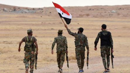 Suriye Arap Ordusu, cihatçı teröristlerin yuvalandığı İdlib'e operasyon hazırlığında