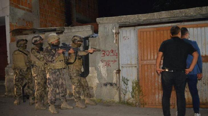 Adana'da 'Cono aşireti' mensubu kişilere şafak operasyonu
