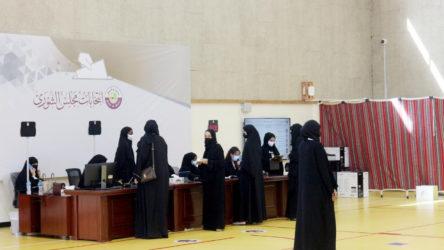 Suriye'de 'diktatör' Esad'ı devirmek için çabalayan Katar'da ilk parlamento seçimleri bugün yapılıyor