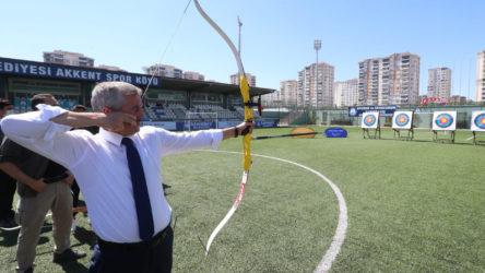AKP'li Belediyenin 60 milyon TL'lik okçuluk tesisine tepki: Birilerinin çocukları ok atmayı seviyor diye...