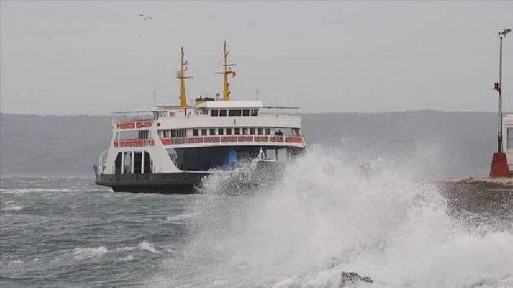 Ege'de fırtına: Gökçeada feribot seferleri iptal edildi