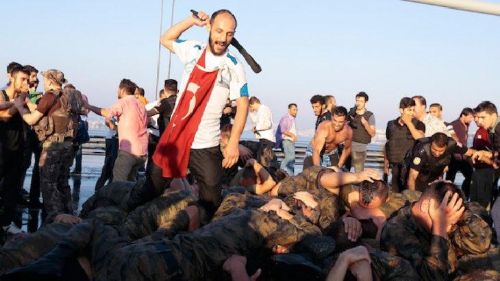 Kritik iddia: TÜGVA yetkilisi Fatih Demirci, köprüde askerleri linç edenler arasındaydı